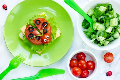 トマトで作ったテントウムシ