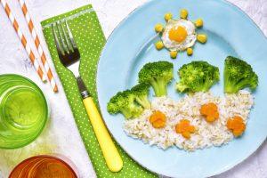 ブロッコリーと目玉焼きの子供用プレート